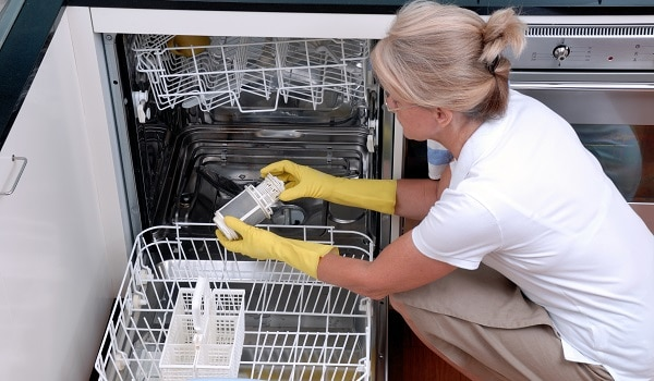whirlpool dishwasher leaves dishes dirty