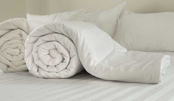 best way to clean a comforter